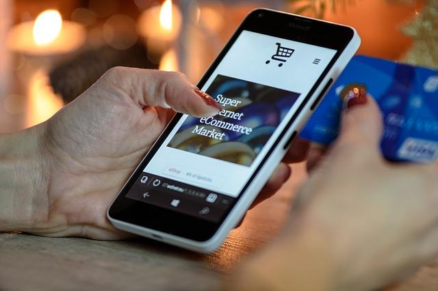 Besonders Online Händler profitieren von der automatischen Texterstellung: Sie können damit ihre Artikelbeschreibungen und Kategorietexte aus Produktdaten generieren